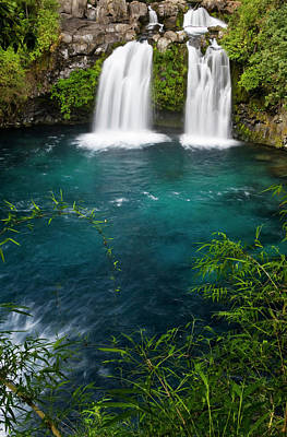 Green Chile Photograph - Chile South America Waterfalls At Ojos by Scott T. Smith