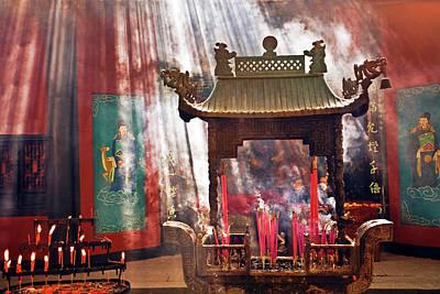 Burning Statue Photograph - China, Hangzhou, Lingyin Buddhist by Miva Stock