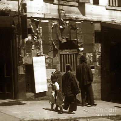 Photograph - Chinese Family San Francisco Chinatown Circa 1900 by California Views Archives Mr Pat Hathaway Archives