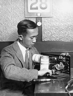 Electronics Photograph - Chinese Student Wires Radio by Underwood Archives