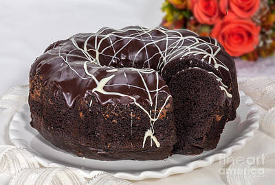With Red Photograph - Chocolate Bundtcake With Roses by Iris Richardson