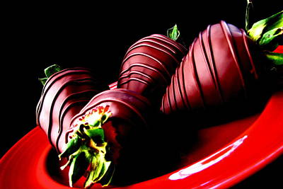 Photograph - Chocolate Strawberries by Rhonda Jones