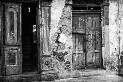 Photograph - Choices In Panama City Mono by John Rizzuto