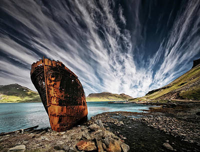 Shipwreck Wall Art - Photograph - Chosen Place by ?orsteinn H. Ingibergsson