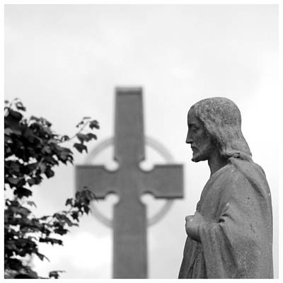 Photograph - Christ And The Papal Cross by Frank Wickham