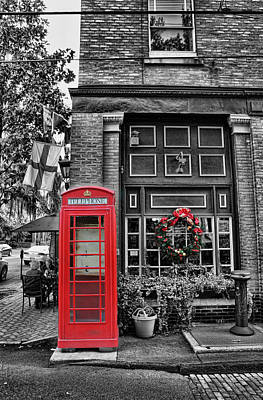 Christmas - The Red Telephone Box And Christmas Wreath II Art Print by Lee Dos Santos