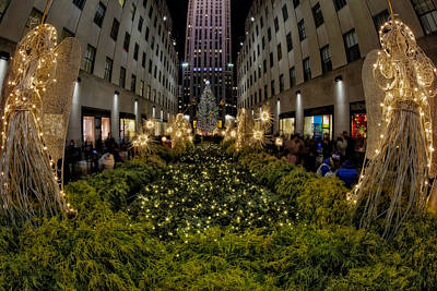 Photograph - Christmas At Rockefeller Center  Nyc by Susan Candelario