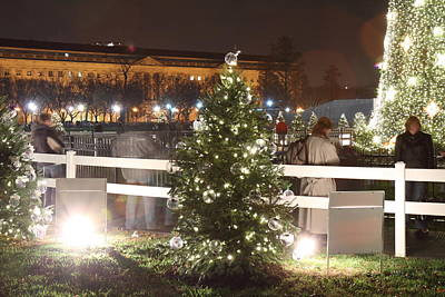 Holidays Photograph - Christmas At The Ellipse - Washington Dc - 01132 by DC Photographer