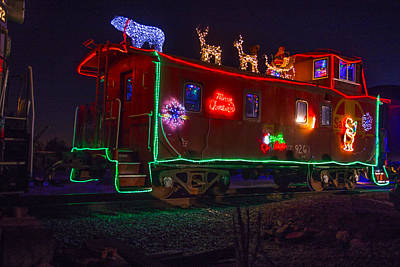 Caboose Photograph - Christmas Caboose  by Garry Gay