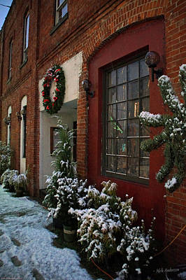 Christmas Decorations In Grants Pass Old Town  Art Print by Mick Anderson