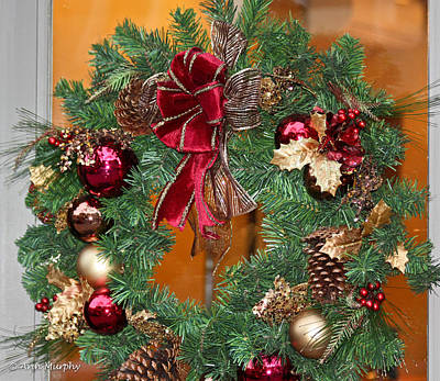 Photograph - Christmas Door Wreath by Ann Murphy