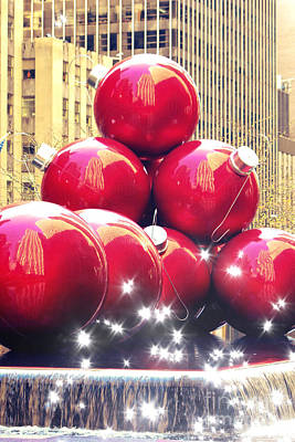 Red Giant Photograph - Christmas In New York by Sophie Vigneault