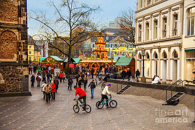 Photograph - Christmas Market by Rick Bragan