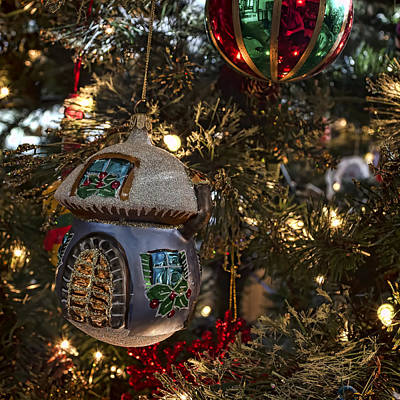 Photograph - Christmas Ornaments by Ron Grafe