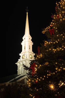 Photograph - Christmas Tree And The North Church Steeple by Jeff Sinon