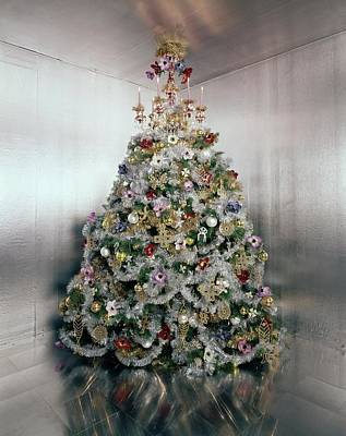 Room Photograph - Christmas Tree Decorated By Gloria Vanderbilt by Ernst Beadle