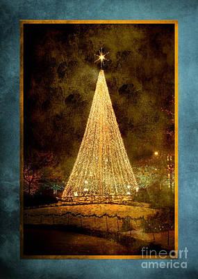 Christmas Tree In The City Art Print by Cindy Singleton