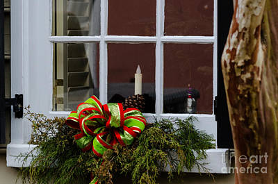 Photograph - Christmas Window by Dale Powell