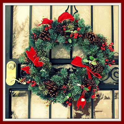 Digital Art - Christmas Wreath by Holley Jacobs