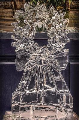 Wreath Photograph - Christmas Wreath Ice Sculpture by LeeAnn McLaneGoetz McLaneGoetzStudioLLCcom