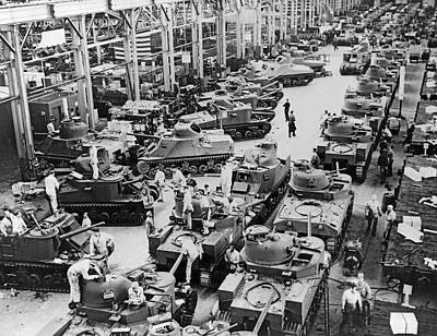 Large Group Of Objects Photograph - Chrysler Tank Plant by Underwood Archives
