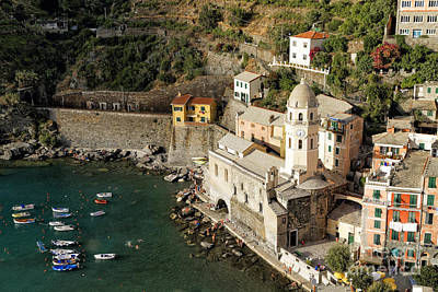 Church In Vernazza  Art Print