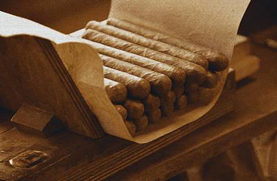 Photograph - Cigara by David Lee Thompson