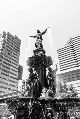Genius Wall Art - Photograph - Cincinnati Fountain Black And White Picture by Paul Velgos