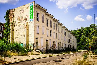 Boarded Up Photograph - Cincinnati Glencoe-auburn Row Houses Picture by Paul Velgos