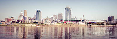 Pnc Photograph - Cincinnati Skyline Retro Panorama Photo by Paul Velgos