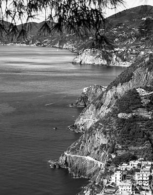 Photograph - Cinque Terre Coastline by Prints of Italy