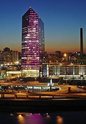 Photograph - Cira Center At Sundown by Lisa Phillips