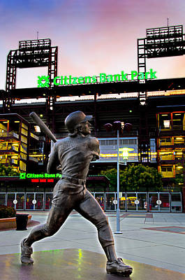 Philadelphia Phillies Stadium Photograph - Citizens Bank Park - Mike Schmidt Statue by Bill Cannon