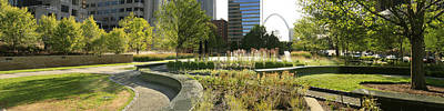 Photograph - City Gardens And The St Louis Arch by Garry McMichael