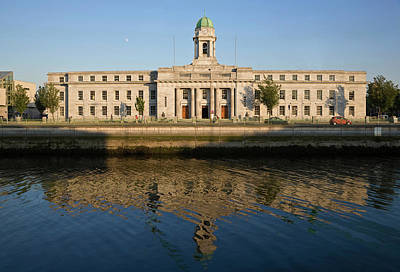 City Hall, River Lee, Cork City, Ireland Art Print by Panoramic Images