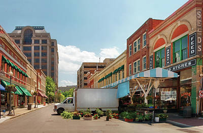Suburbanscenes Photograph - City - Roanoke Va - The City Market by Mike Savad