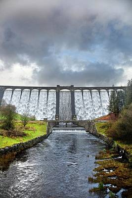 Claerwen Reservoir Dam Art Print by Linda Wright