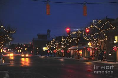 Clare Michigan Photograph - Clare Michigan At Christmas  by Terri Gostola