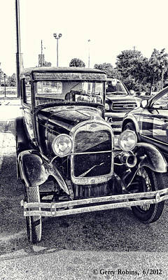 Photograph - Classic Car by Gerry Robins