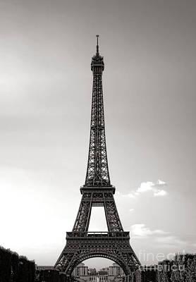 Photograph - Classic Eiffel by Olivier Le Queinec