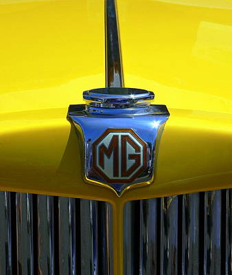 Photograph - Classic Mg Grill Yellow by Jeff Lowe