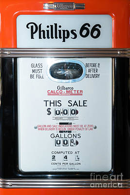 Photograph - Classic Vintage Gilbarco Phillips 66 Gas Pump Dsc02751 by Wingsdomain Art and Photography