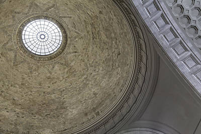 Classical Dome With Oculus Art Print by Lynn Palmer