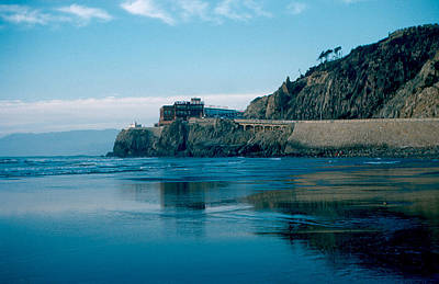 Photograph - Cliff House 1956 by Cumberland Warden