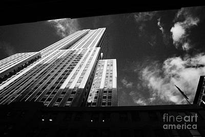 Close In Shot Of The Empire State Building New York City Art Print by Joe Fox