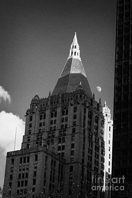 Close Up Of The Top Of The New York Life Insurance Company Tower And Gold Roof New York Art Print by Joe Fox