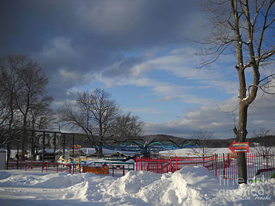 Middlebury Photograph - Closed For The Season by Linda Troski