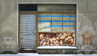 Closed I Original by Roslyn Rose