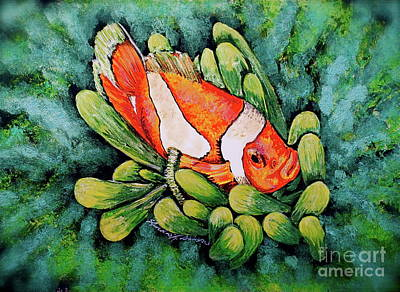 Clown Fish Mixed Media - Clown In The Anemone by Linda Simon