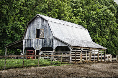 Old Country Roads Photograph - Clubhouse Road Barn by Cricket Hackmann
